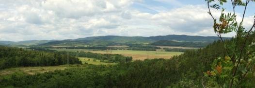 Výhled naseverovýchodní část Doupovských hor